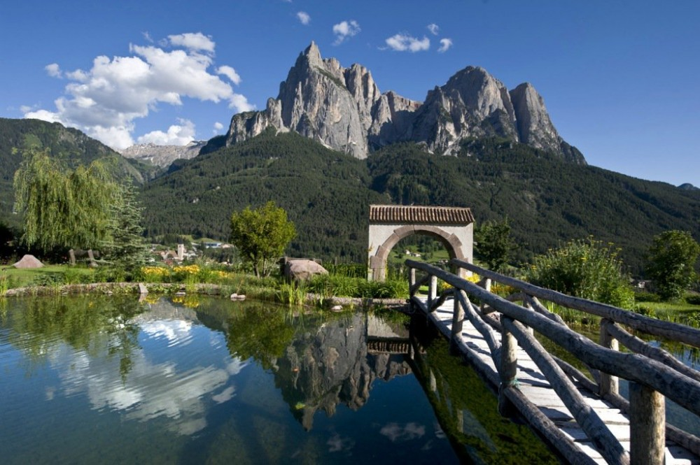 Top hotel dolomites the best hotels in the dolomites for Best view of dolomites